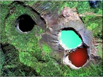 Lake-Kelimutu-Flores-Indonesia-photo-2